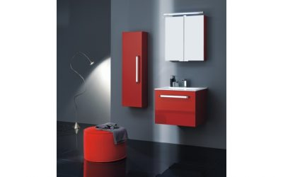 Rote Badezimmermöbel